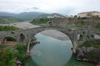 Мост Меси в 8 км от Шкодера