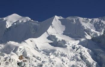 Ильимани – это вершина высотой 6500 метров в муниципалитете Ирупана