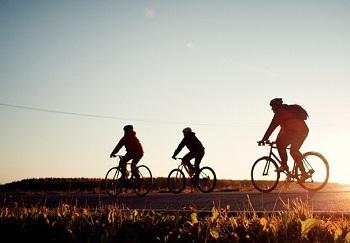 Самый распространенный транспорт на островах - это велосипед