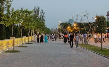 Самое популярное и любимое место отдыха горожан и туристов – это Приморский бульвар