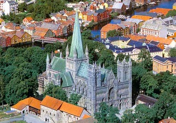 Древняя столица Норвегии город Тронхейм