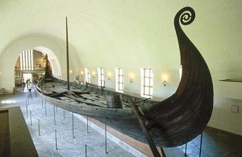 Начать знакомиться с культурой норвежцев можно с музея викингов