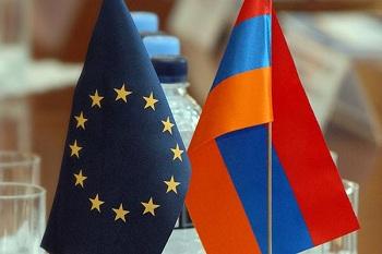Получить армянскую визу можно также на любом пропускном пункте, расположенном между Арменией и Грузией