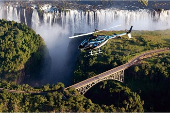 Во время полета со стороны Парагвая виден знаменитый Мост Дружбы