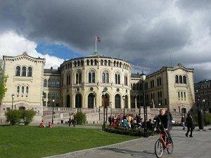 Здание парламента в Осло