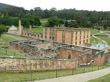 Значительную часть колонистов составляли бывшие каторжники норфолкской тюрьмы