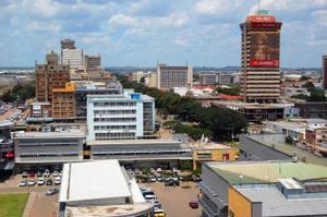 Столица Замбии — Лусака — молодой современный город, построенный в 1931–1935 годах