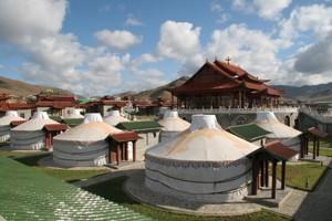 Монголия - это страна белых юрт
