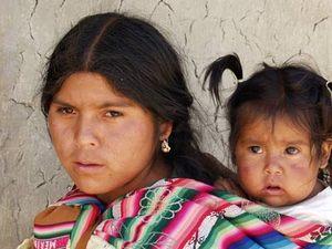 Около 55% жителей страны – индейцы, 30% – метисы