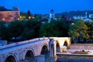 Македония имеет довольно таки четкое деление на христианскую и албанскую части