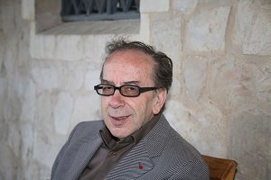 Исмаил Кадаре, Албанский писатель