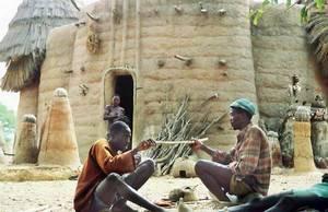 Традиционные жилища у местных народов встречаются нескольких типов