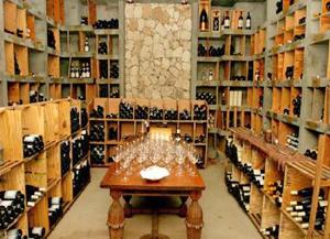 в отеле Malliouhana и ресторане Koal Keel содержится крупнейшая винная карта
