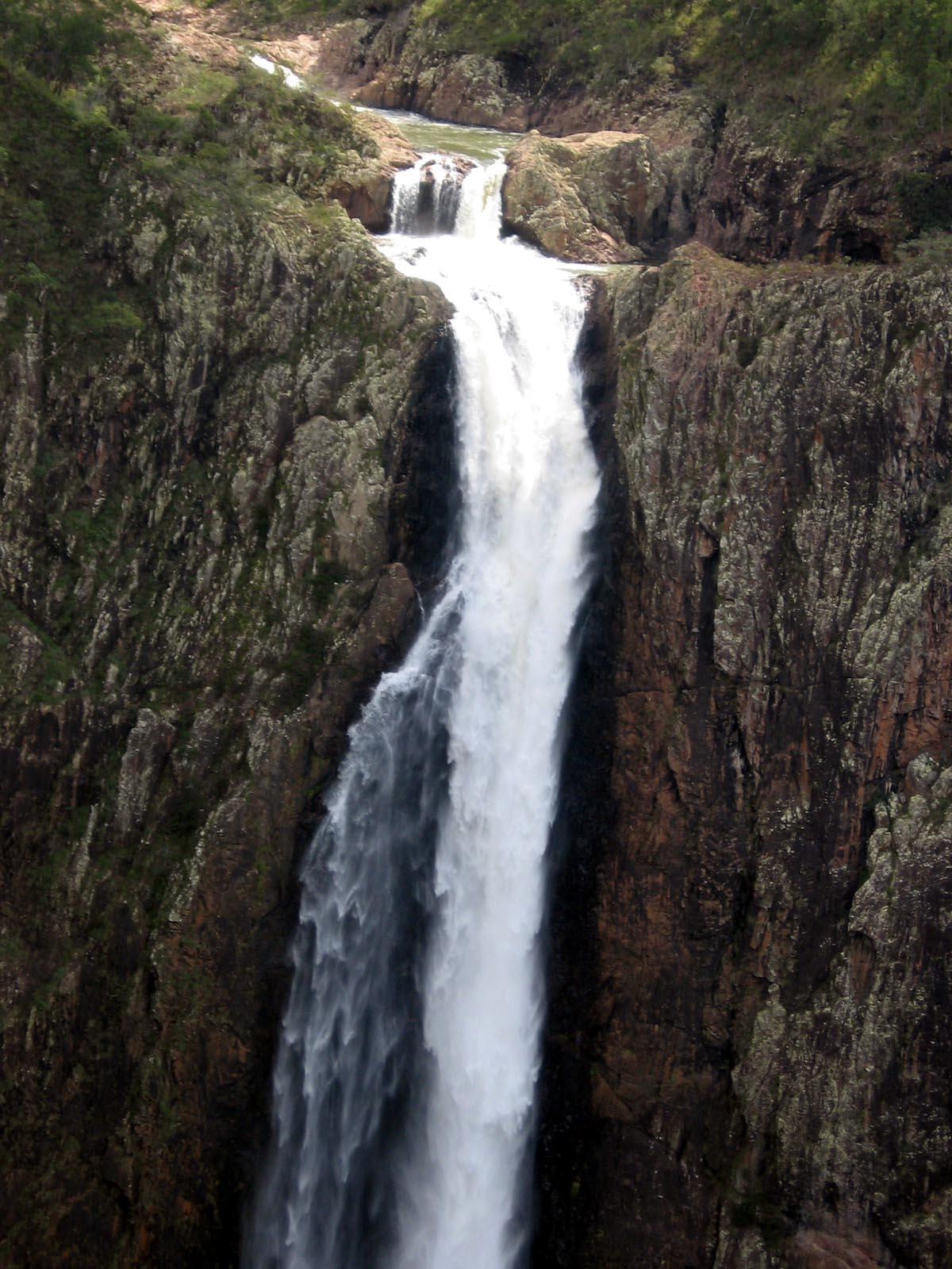 Водопад Валламан