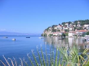 Вот в июне – августе на берегах Охридского и Преспанского озер будет не протолкнуться