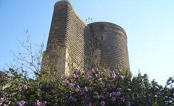 Знаменитаяю Девичья башня