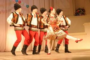 Зажигательный молдавский танец