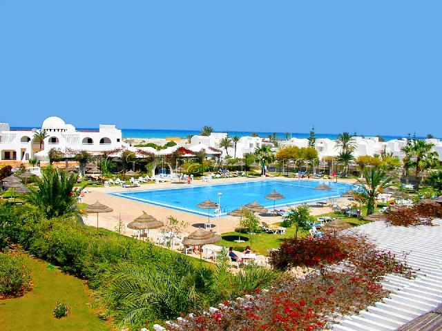 Где лучше отдыхать в августе на море за границей