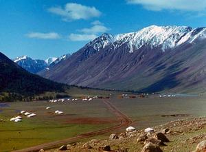 Средние высоты Монголии - около 1580 м