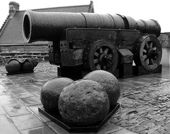 Огромная пушка Монс Мег XV века