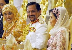 Только султан Брунея может потратить два с половиной миллиона долларов на массажиста