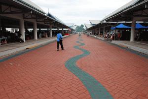 Третий по размерам в стране, район Тутонг является самой малонаселенной областью Брунея