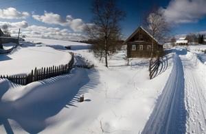 Климат Западной Сибири формируется в основном под воздействием воздушных масс, приходящих из Арктики