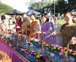 Во многих странах востока празднуется день рождения Будды