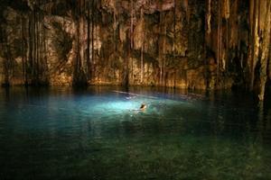 Макуа-Уэлл представляет собой самое большое подземное озеро