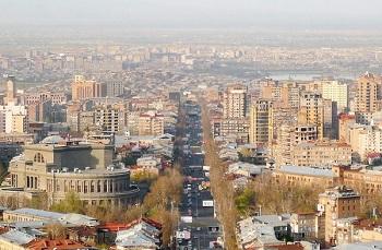Главная улица — проспект Месропа Маштоца