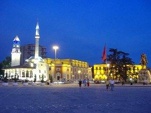 город Тиранa