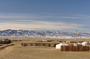 Город Даланзадгад является отправной точкой для путешествия по пустыне Гоби