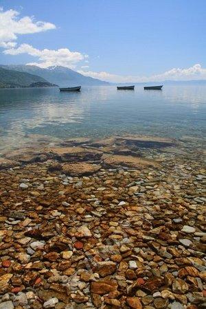 Но самое потрясающее в Охриде – это берег озера