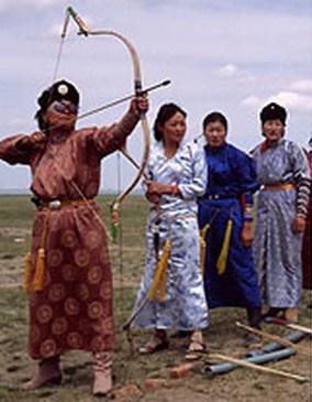Надом, традиционное спортивное состязание по трем национальным видам спорта: борьба, стрельба из лука, конные скачки