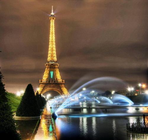 """Эйфелева башня - """"железная леди"""" Парижа"""