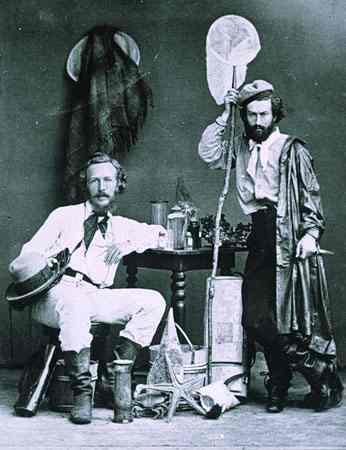 справа,Миклухо–Маклай. А слева герой данного поста — Эрнст Хеккель. Ведь именно он создал один из самых монументальных трудов о нашей планете, о живых существах, нас окружающих