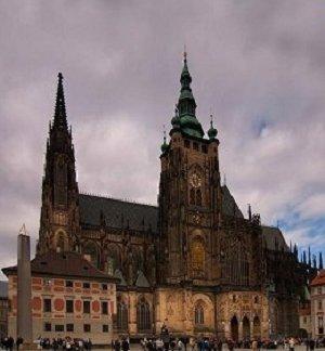 Доминантой Пражского Града является собор Св. Вита