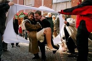 Традиции эти весьма интересны и увлекательны, ибо заставляют немецкую свадьбу длиться 3 дня