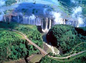 Национальный парк Южная Луангва расположился на северо-востоке от Лусаки