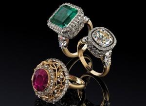 Хорошим сувениром «с Маврикия» станут ювелирные украшения с драгоценными камнями — цены на них здесь в среднем на 40% ниже, чем в Европе
