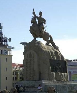 Памятник Сухе Батору в Улан-Баторе