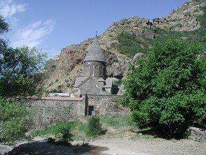 Храм в Гехарде